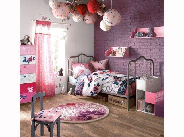 am nagement chambre fille mauve. Black Bedroom Furniture Sets. Home Design Ideas